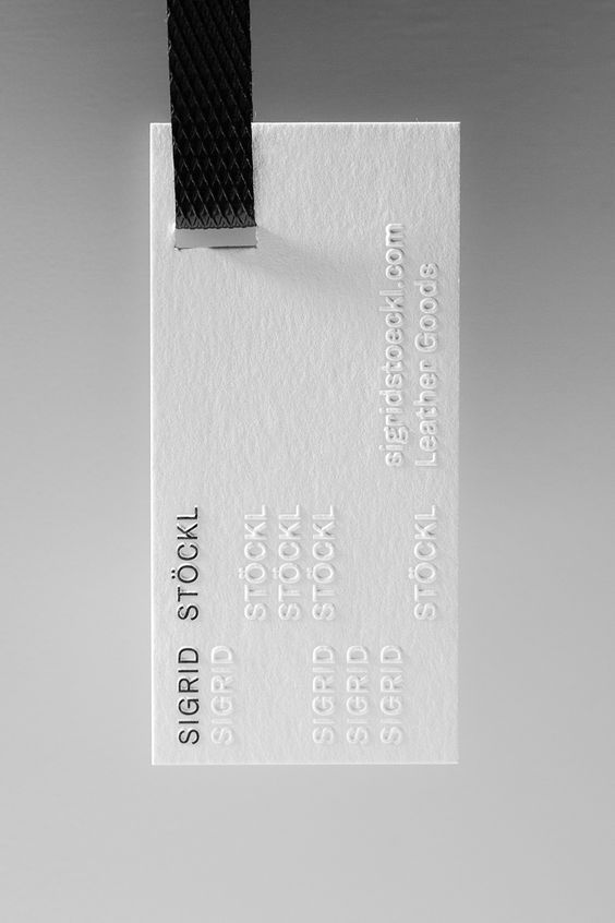 black_white_bus_card